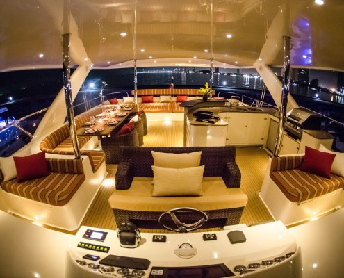 H65-Spacious-Flybridge-2